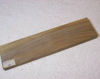 Black Walnut Board / Lumber / Beautiful Grain Walnut / 12 X 3 X 3/4 Inches / A46