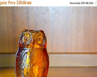 SALE 25% OFF vintage midcentury modern amber glass owl figurine / modern owl bird / retro rustic home