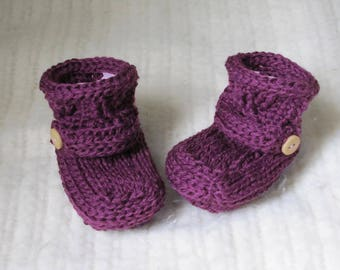 crochet baby booties, purple baby booties, baby boots, baby shoes, purple, 3 to 6 months