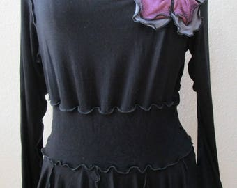 Black color cowl neck long sleeves top with 2 roses decoration front top plus made in USA (vn39)