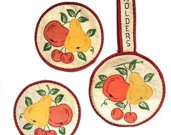 Vintage Potholders Handmade Embroidered Appliqued Cottage Kitchen Fruit
