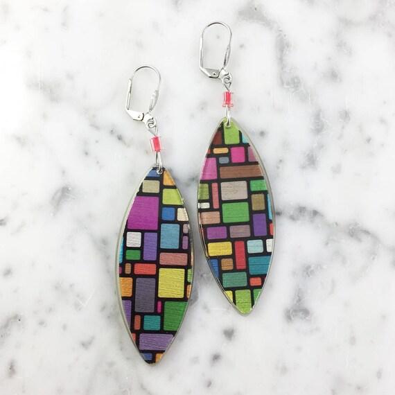 Long Resin earrings handmade, graphic, geometric, color, on stainless steel hook, les perles rares