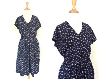 Vintage 80s Floral Dress - summer dress - sundress -peasant- blue and white - below knee - elastic waistband - day dress - medium - large