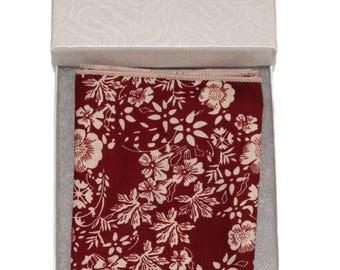 "1 Crimson Red / White Wildflower Floral 8"" x 8"" Pocket Square"