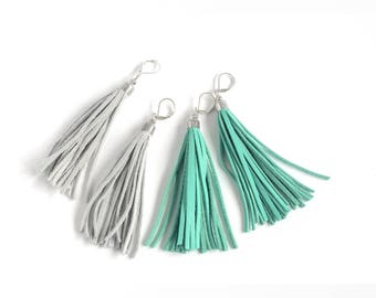 Leather tassel earrings in mint green and light grey