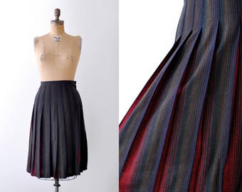 1940's navy blue & red skirt. pleated. 40's striped skirt. wool. brown.