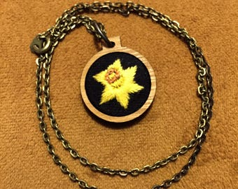 Daffodil Embroidery Necklace small wooden hoop