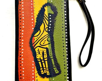 Tribal Immunity Hand Painted Wildlife Giraffe Booklet Zipper Wristlet Wallet