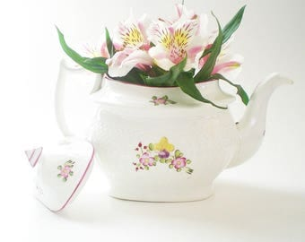 Decorative Antique English Teapot Display China Shabby Cottage Chic Floral Decor Floral Container Planter Vase