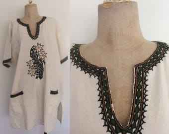 1970's Cotton Embroidered Tunic w/ Pockets Plus Isze XL XXL 3XL by Maeberry Vintage