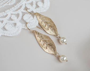 Leaf Earrings, Gold Plated Pearl Leaf Earrings,  Everyday Jewelry, Nature Inspired Jewelry, Gold Plated Leaf and Swarovski Pearls Earrings