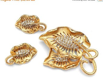 20% OFF SALE - Lovely Vintage Crystal Rhinestone Gold-Plated Leafy Brooch and Earring Demi Parure