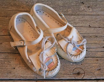 Vintage Dyna Kids Moccasin Shoes, Little girl shoes, mary janes