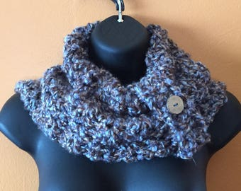 Landscape knitted cowl