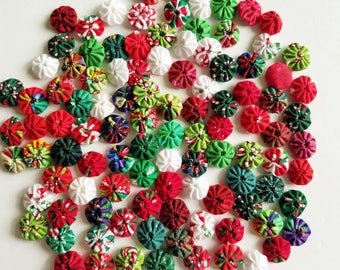 """100 Tiny Yo Yos 1/2"""" Assorted Christmas Colors Red White Green"""
