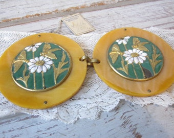 Daisy and Bees Enamel and Butterscotch Buckle