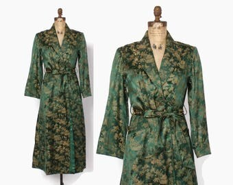 Vintage 40s DRESSING GOWN / 1940s Dark GREEN & Gold Asian Brocade Belted Silk Robe Jacket