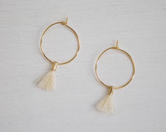 the Laurel in Beige -earrings (small halo hoop earrings with tassel minimal every day 16k gold plated)