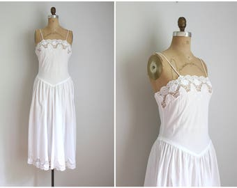 white cotton & lace nightgown - 80s lace nightgown / Victorias Secret nightgown - VS gold crown label / summer nightgown