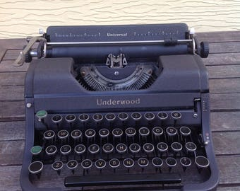 "FLASH SALE! 25% off when you enter ""25FLASH"" - 1930s Underwood Universal Portable Typewriter"