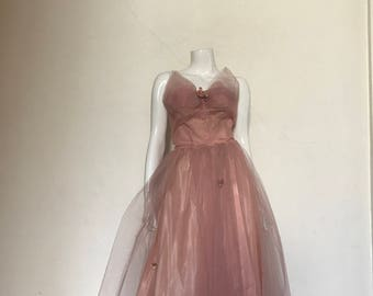 50's Vintage Pink Tulle Faux Flowers Prom Dress med