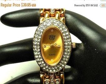 SALE Elizabeth TAYLOR Quartz watch Vintage Womens Working Wrist watch gold tone sparkling rhinestones