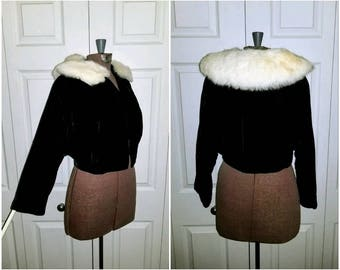 Snowy stroll .. vintage 50s velvet jacket / cropped bolero shrug / cocktail party formal short coat / white rabbit fur collar .. XXS XS S