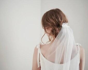 Tulle Veil, Wedding Veil, White Tulle Veil, Bridal Veil Short, Tulle Veil, Wedding Veil, Hair Comb with Veil, Vinatge Lace Hair Comb