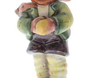 Goebel Hummel Figurine #421 It's Cold Collector's Club Bundled up Boy TMK 6