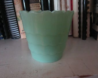 jadeite planter scalloped planter pot vintage planter