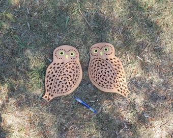Applique in ceramica a forma di civetta. Fatto a mano