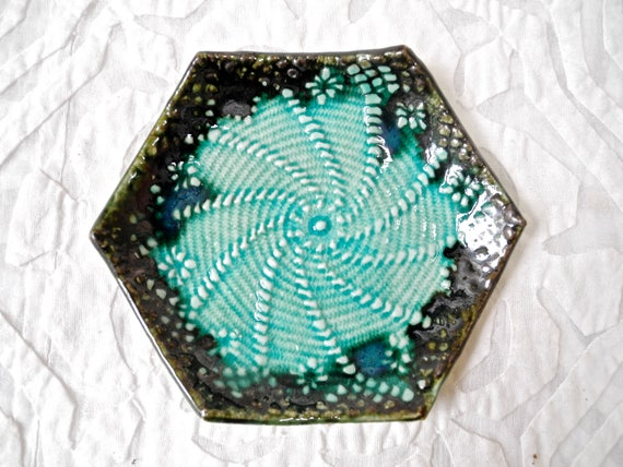 Ring dish, ring holder, ceramic dish, hexagon dish, textured ring dish, pottery bowl, teabag holder, nut bowl, salt bowl, spoon rest
