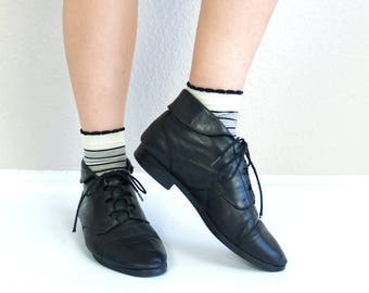 vtg 80s LACE UP black leather Ankle BOOTS flats 9 boho oxfords cuff grunge brogues preppy