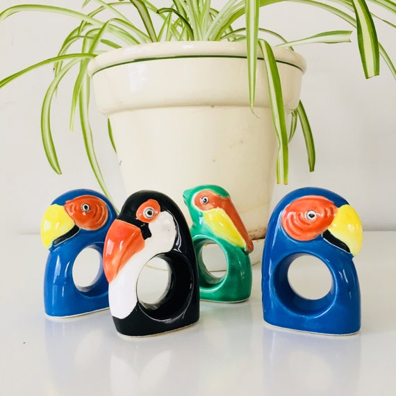 Vintage Ceramic Bird napkin Rings Multi Colored Parrot Penguin Pelican Birds Ceramic Napkin Holders