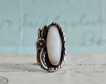 Vintage Navajo Shell Ring - Size 5.5 - Sterling