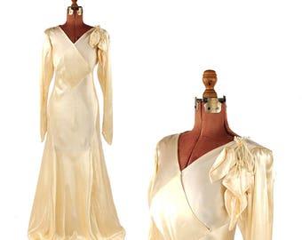 Vintage 1930's Liquid Pale Golden Cream Satin Hollywood Art Deco Wedding Dress Gown S M