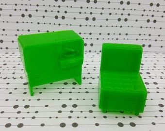 Eagle Toy Canada TV Armless Chair  Living room Doll house furniture  Rare Green soft plastic