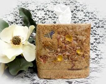 Kleenex tissue box - Shabby Chic bathroom decor - tissue box holder - Kleenex cover - Kleenex dispenser - tissue box ceramic -  # 180