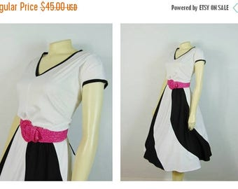 MOVING SALE Vintage Dress 60s 70s Mad Men Day Dress Black & White Cap Sleeves Belted Spring Summer Dress Plus Size XXL 1X