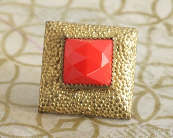 DECO Red Glass Square Brooch Pin C Clasp  // Vintage Estate Jewelry // fruitsdesbois