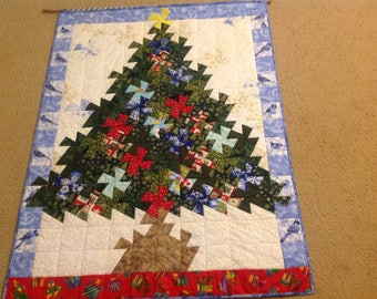 Christmas tree hanging. Great decoration. Pieced and quilted.
