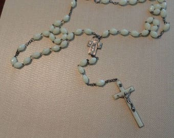 D277)  Vintage Large Glow in the Dark Bead Rosary large