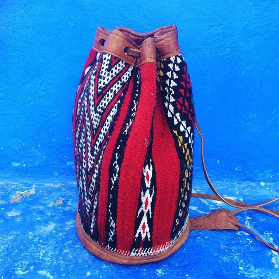 MOROCCAN BUCKET BAG - Embroidered ethnic bag - Hippie rucksack - Duffle bag - Aztec rucksack - Vintage Bag - Shoulder bag - Saddle bag