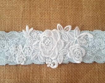 Light turquoise garter, wedding garter, Floral White garter, Lace Bridal Garter - turquoise blue