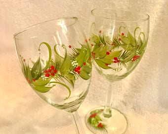 Free shipping Christmas Holiday hand painted pair of wine glasses