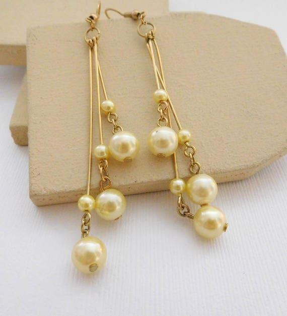 Retro Cream Butter Yellow Faux Pearl Gold Tone Modern Fringe Dangle Earrings RR5