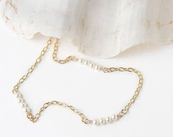 Dainty Pearl Necklace - Pearl Necklace - Birthstone Gift for June - Bridesmaid Gift - Sweet 16 Gift - Birthstone Necklace for June