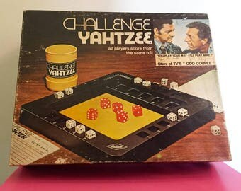 CHALLENGE YAHTZEE all players score from the same roll from 1974 Starts of TV's odd couple