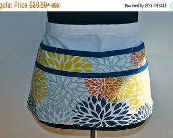 ON SALE Navy Utility Apron, Vendor Apron, Teacher Apron, craft fair vendor Apron, Navy and yellowapron, blue flower apron, blue and white aa