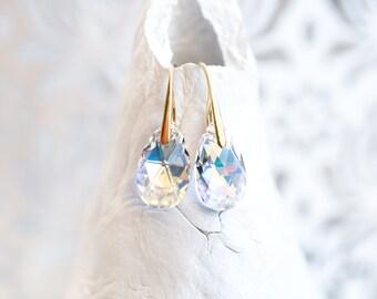 769_ Gift earring for her, SWAROVSKI crystal earrings, Gift for girlfriend, White earrings, Gift teardrop gold earrings, Earrings for her.